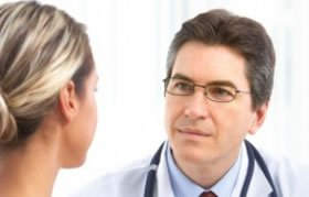 meeting_your_doctor_before_liposuction
